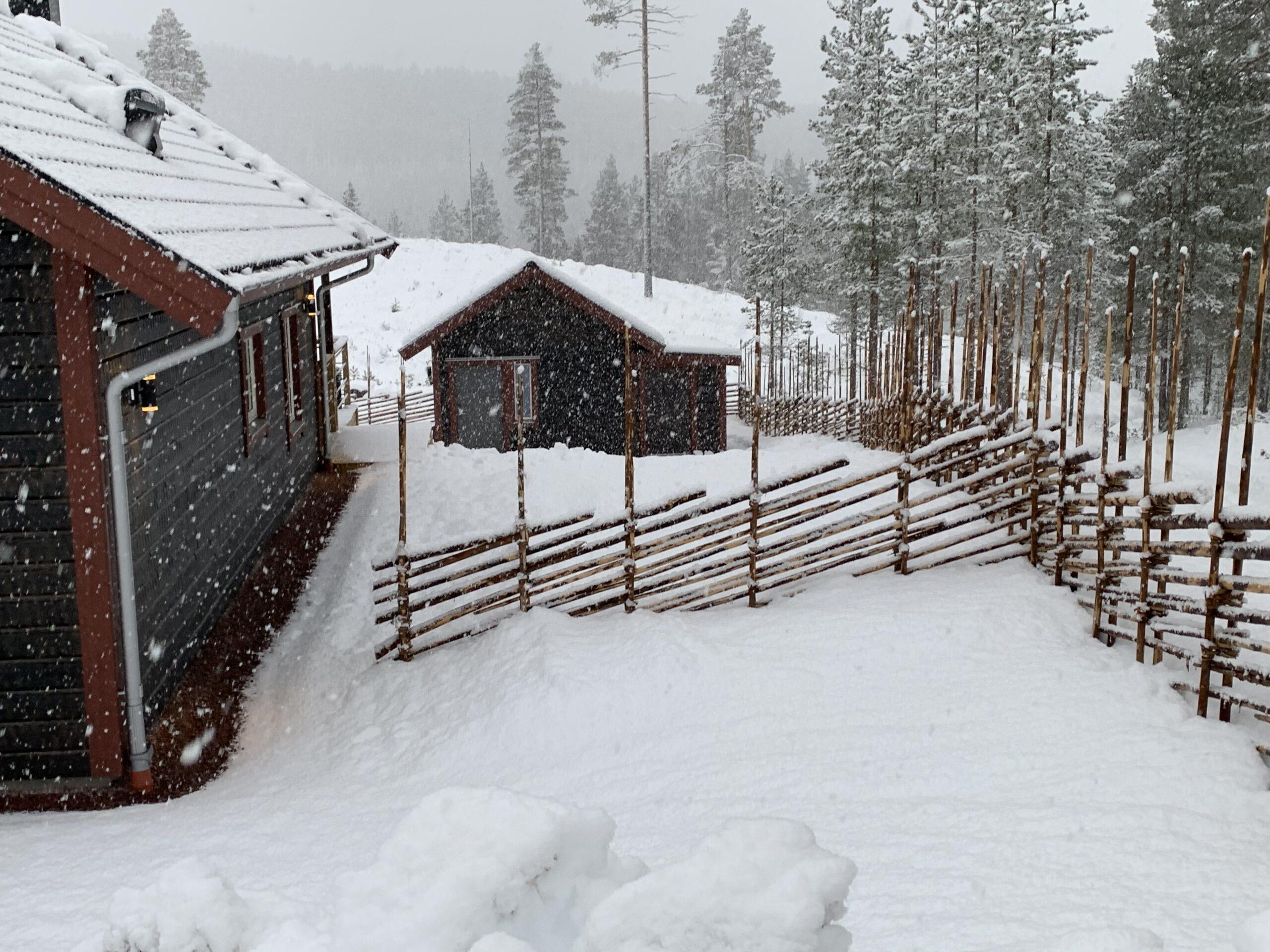 snö vid skotergarage